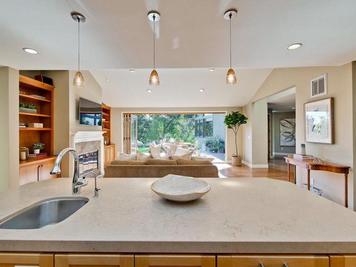 10551 Magdalena Rd Los Altos Hills CA Home. Photo 14 of 40