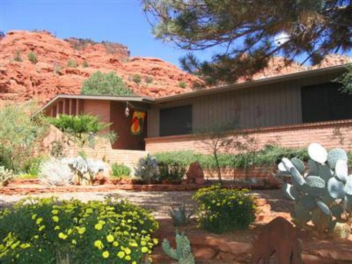 110 Canyon Trl Sedona AZ Home. Photo 1 of 14