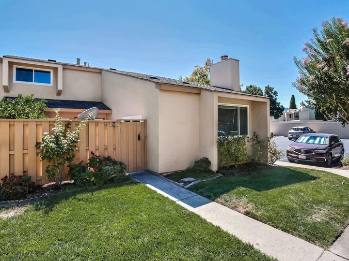 125 Connemara Way #145, Sunnyvale, CA, 94087 Townhouse. Photo 1 of 26