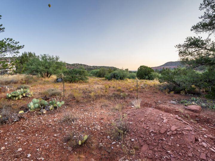 16 Chrysona Ln Sedona AZ Home. Photo 9 of 13