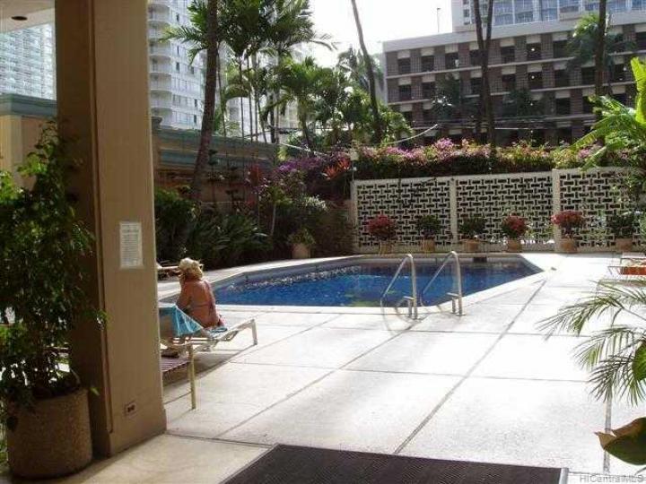 Tradewinds Hotel Inc condo #B/905. Photo 3 of 8
