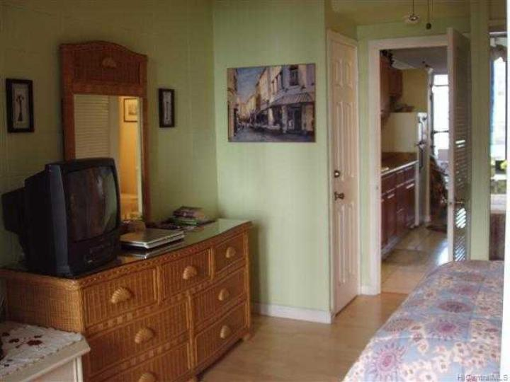 Tradewinds Hotel Inc condo #B/905. Photo 7 of 8