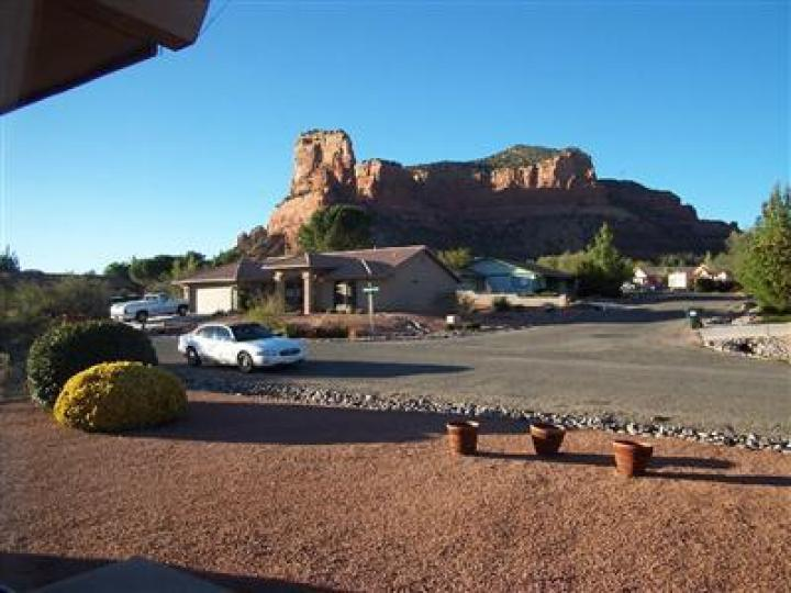 190 Fairway Oaks Ln Sedona AZ Home. Photo 5 of 6
