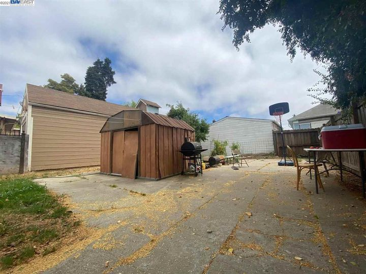 2056 40th Ave Oakland CA Home. Photo 18 of 19