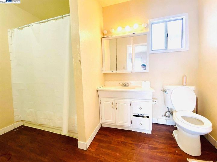 2056 40th Ave Oakland CA Home. Photo 6 of 19