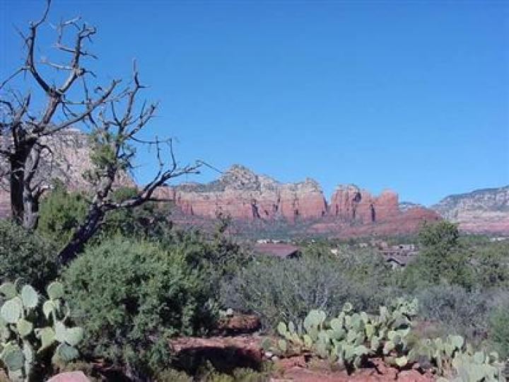 2390 Roadrunner Sedona AZ Home. Photo 1 of 1