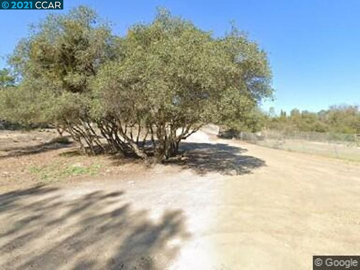 3889 2nd St Clearlake CA. Photo 1 of 2