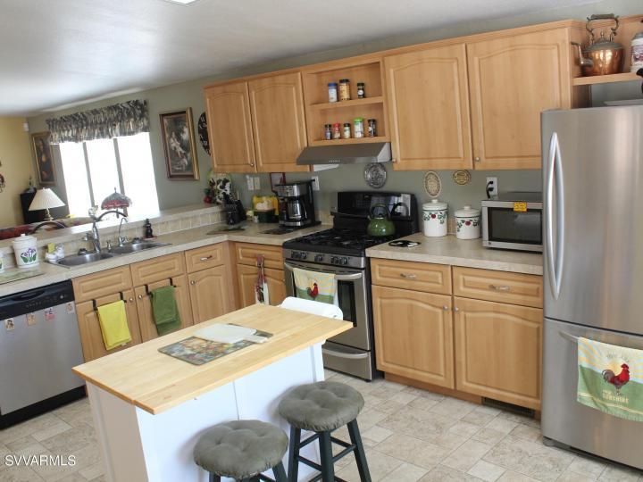 3901 Mountain View Rd Rimrock AZ Home. Photo 13 of 63