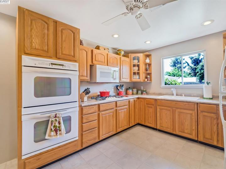 4042 Joyce Dr Concord CA Home. Photo 11 of 27