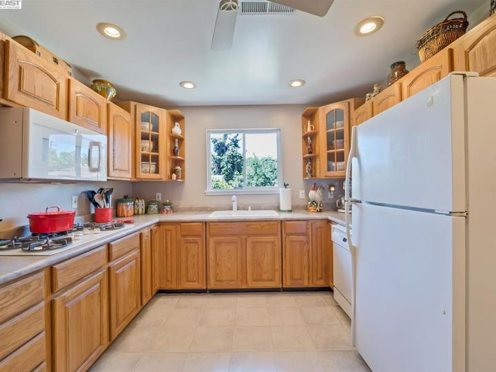 4042 Joyce Dr Concord CA Home. Photo 8 of 27