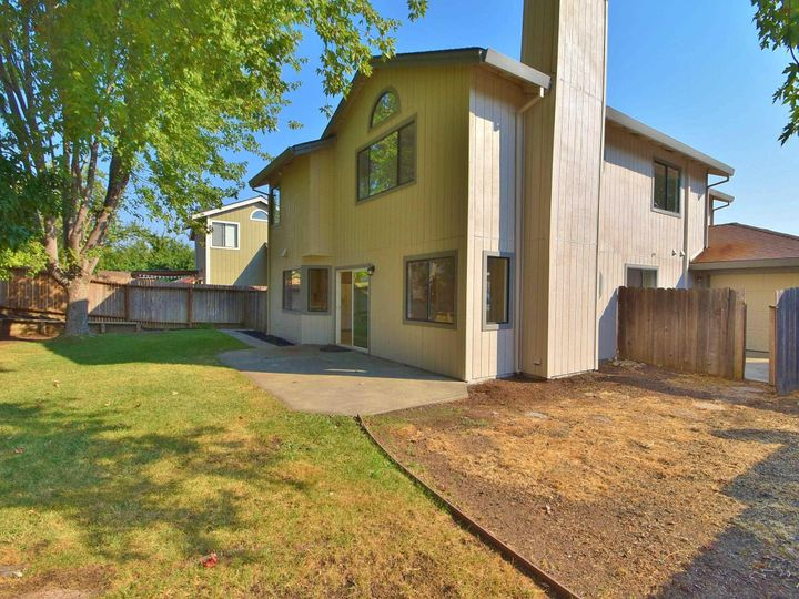 412 Marna Dr Vacaville CA Home. Photo 33 of 39
