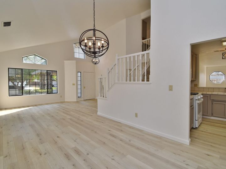 412 Marna Dr Vacaville CA Home. Photo 5 of 39
