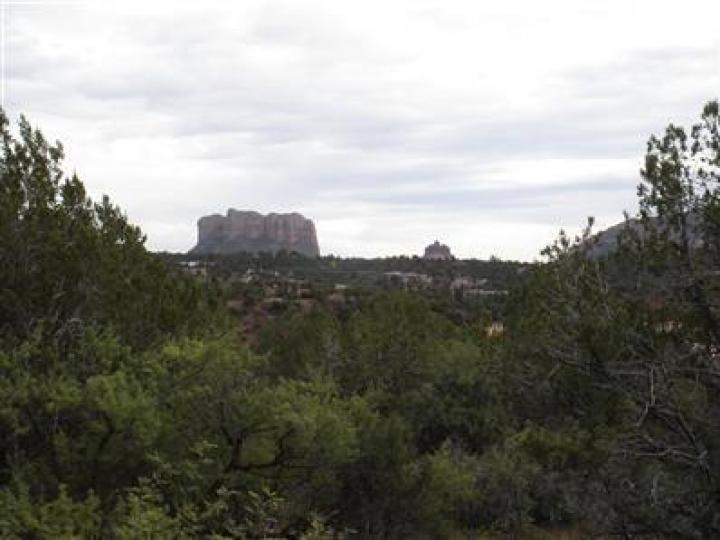 425 Oak Creek Cliffs Dr Sedona AZ. Photo 3 of 4