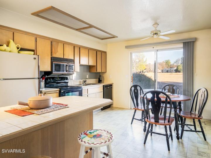 4315 N Lakeside Cir, Rimrock, AZ, 86335 Townhouse. Photo 6 of 17