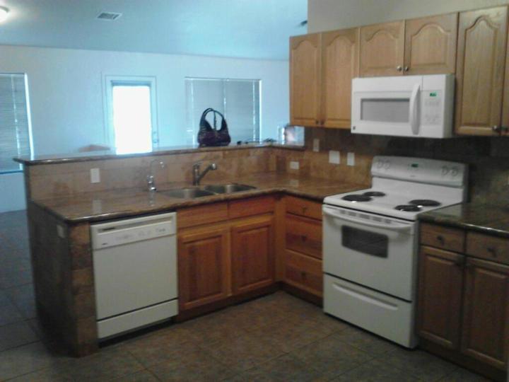 Rental 4780 E Goss Rd, Rimrock, AZ, 86335. Photo 2 of 5