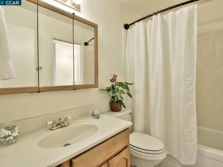 5025 San Pablo Dam Rd #B, El Sobrante, CA, 94803 Townhouse. Photo 11 of 18