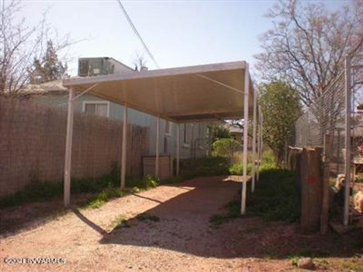 522 Main St Clarkdale AZ Home. Photo 9 of 26