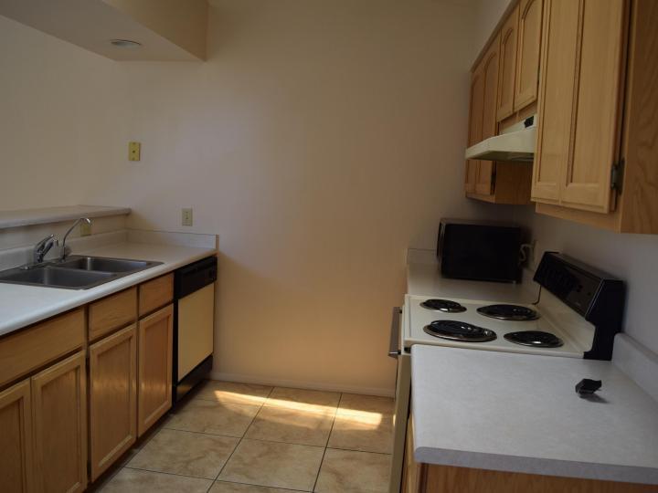 570 S Sawmill Gardens Dr, Cottonwood, AZ, 86326 Townhouse. Photo 7 of 24