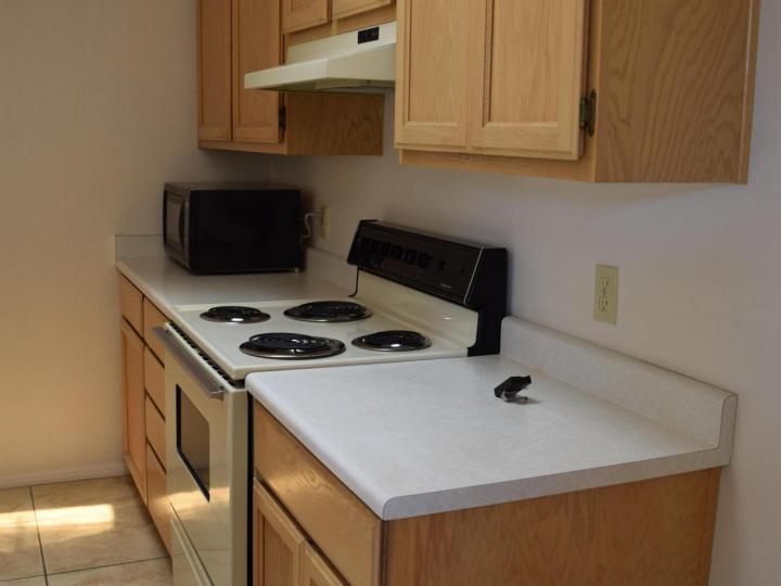 570 S Sawmill Gardens Dr, Cottonwood, AZ, 86326 Townhouse. Photo 8 of 24