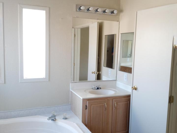 5735 E Lux Ln Cottonwood AZ Home. Photo 12 of 21