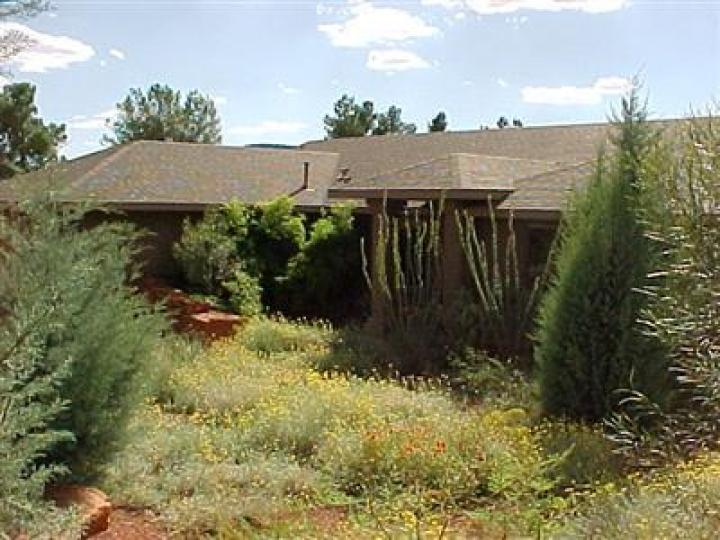 65 Cochise Dr Sedona AZ Home. Photo 3 of 9