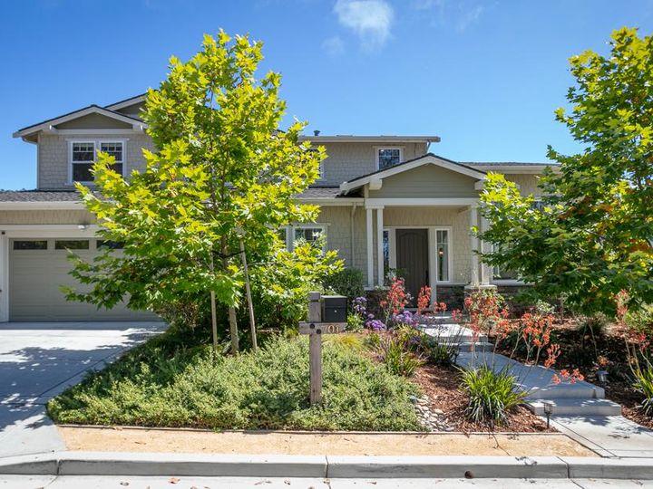701 Upper Terrace Ave Half Moon Bay CA Home. Photo 2 of 40
