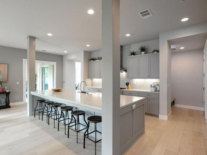 701 Upper Terrace Ave Half Moon Bay CA Home. Photo 11 of 40