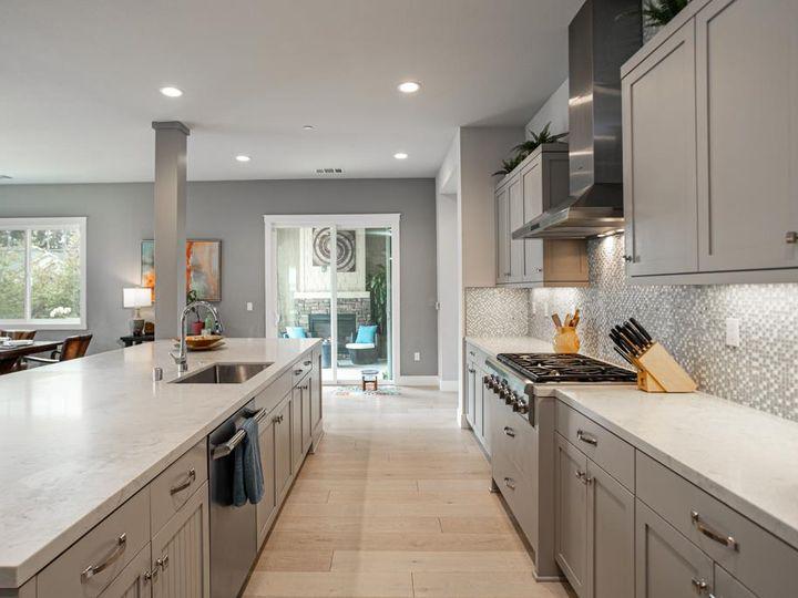 701 Upper Terrace Ave Half Moon Bay CA Home. Photo 13 of 40