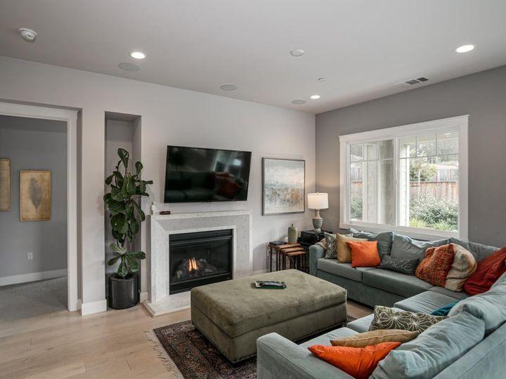 701 Upper Terrace Ave Half Moon Bay CA Home. Photo 18 of 40