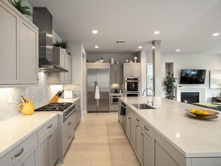 701 Upper Terrace Ave Half Moon Bay CA Home. Photo 9 of 40