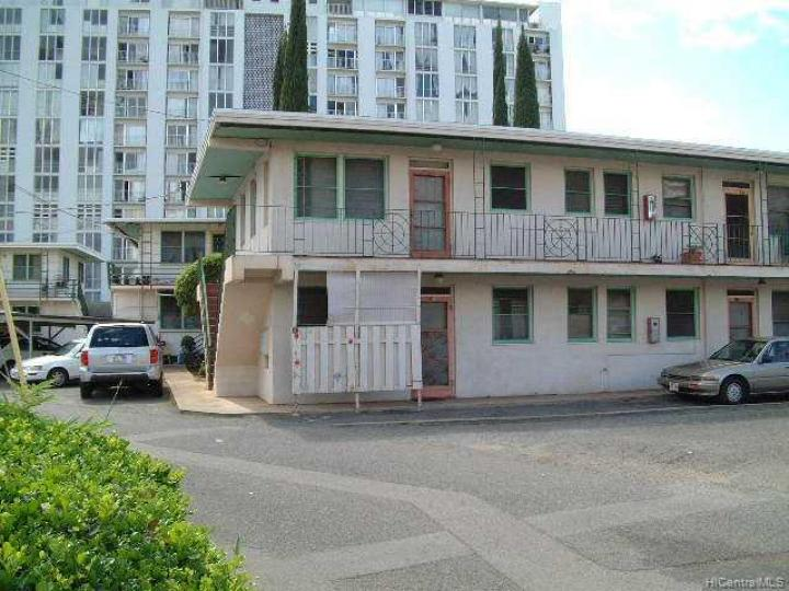Rental 746 Kamoku St, Honolulu, HI, 96826. Photo 1 of 8