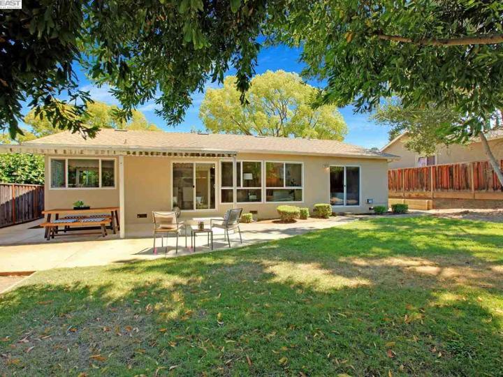 7651 Fairoaks Dr Pleasanton CA Home. Photo 25 of 32
