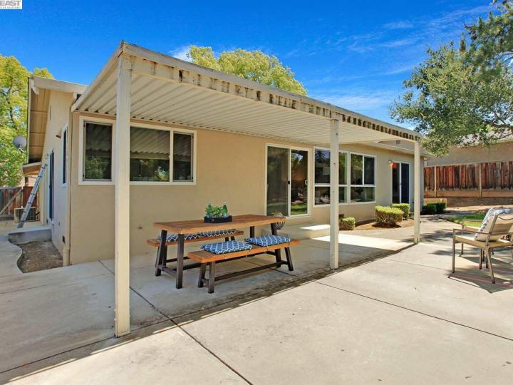 7651 Fairoaks Dr Pleasanton CA Home. Photo 26 of 32