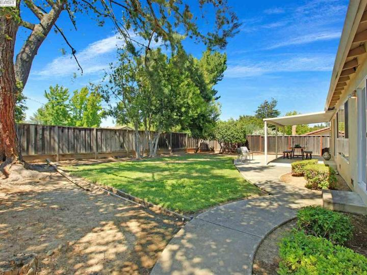 7651 Fairoaks Dr Pleasanton CA Home. Photo 29 of 32