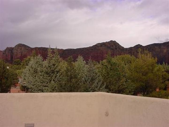 84 Broken Lance Cir Sedona AZ Home. Photo 6 of 16