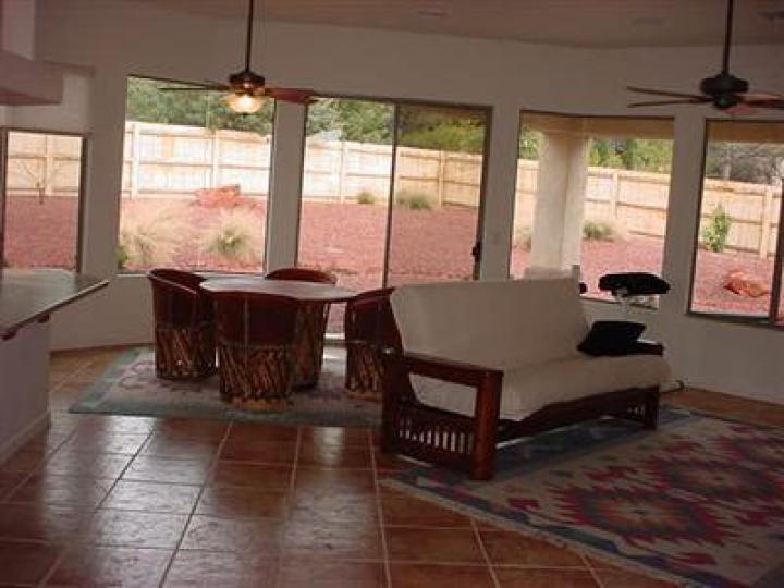 84 Broken Lance Cir Sedona AZ Home. Photo 9 of 16