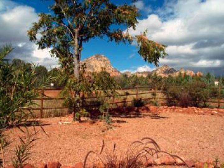 85 Posse Grounds Rd Sedona AZ Home. Photo 9 of 14
