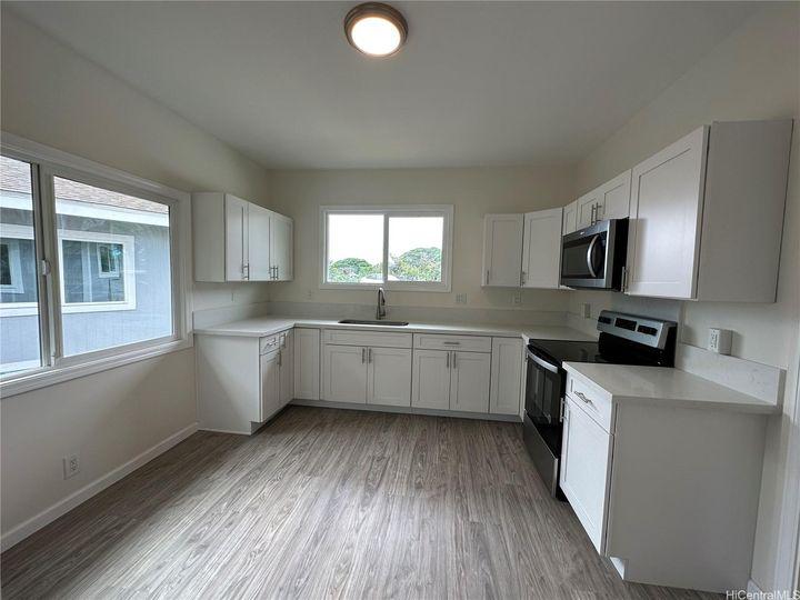 94-111 Pahu St Waipahu HI Multi-family home. Photo 1 of 7