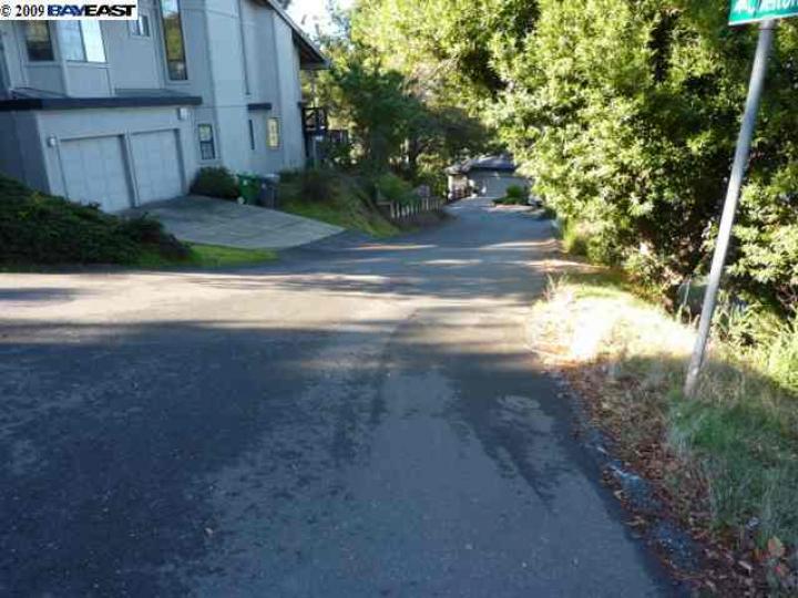 Aitken Dr Oakland CA. Photo 4 of 4