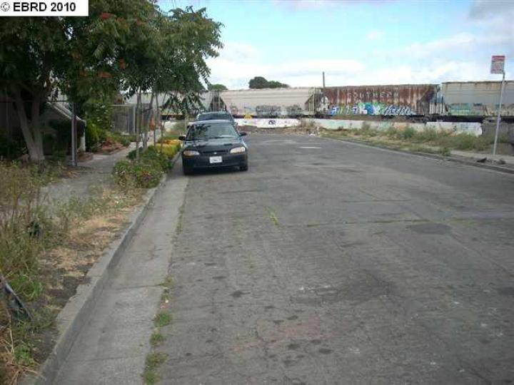 Duboce Ave Richmond CA. Photo 4 of 5