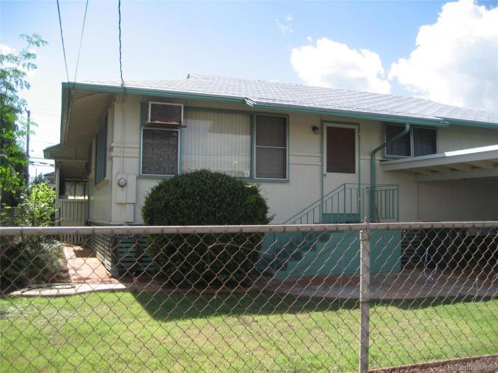 Waipahu HI Home. Photo 1 of 18