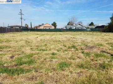 1 W Garrett Ave, Fresno, CA