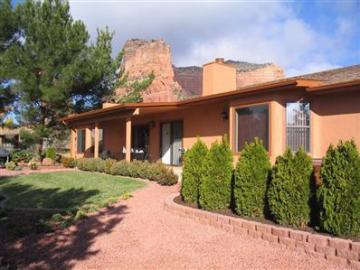 100 Fairway Oaks Ln Sedona AZ Home. Photo 2 of 8