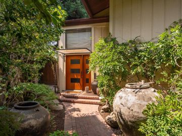1007 Forest Ct, Palo Alto, CA
