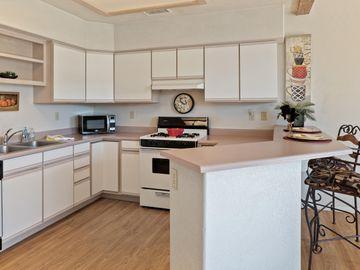 105 Sugarloaf St Sedona AZ Multi-family home. Photo 4 of 22