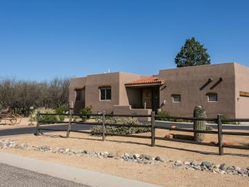 1074 Amber Way, Pebble Rock, AZ