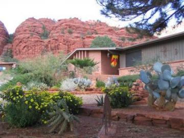 110 Canyon Trl Sedona AZ Home. Photo 2 of 14