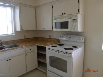 Rental 1100 Ridge Cir, Cottonwood, AZ, 86326. Photo 4 of 16
