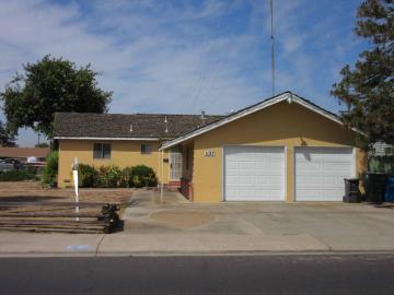 1127 E North St, Manteca, CA