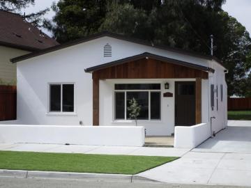 1130 San Benito St, Hollister, CA